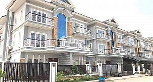 វីឡាកូនកាត់លក់នៅបុរីភ្នំពេញថ្មីសម្រាប់លក់ | Villa LA for sale at borey Vimean Phnom Penh