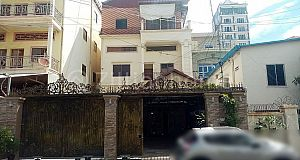COMMERCIAL HOUSE ALONG MAO TSE TOUNG