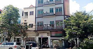 COMMERCIAL BUILDING IN BKK 3