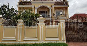 Villa For rent 9 Bed room in Toul Kork