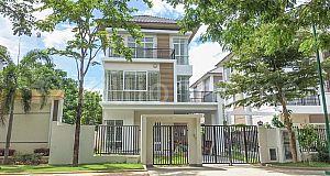 វីឡាទោល ចាស្មីនណា សម្រាប់លក់បន្ទាន់ | Villa for sale at Penghuoth Boeng Snor