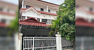 Twin villa for rent in front of Seatv St.Hanoi (L-4827)
