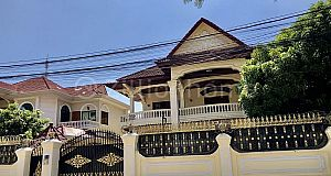 SPACIOUS VILLA - BEONG KAK AREA