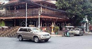 CORNER COMMERCIAL SHOP HOUSE