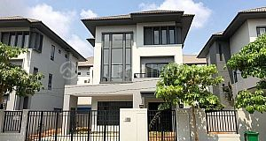 5 BEDROOM QUEEN A VILLA ON STREET 60M