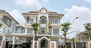 5 NEW BEDROOMS CORNER QUEEN VILLA PH-EURO VILLE