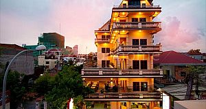 HOTEL BUILDING IN DAUN PENH AREA