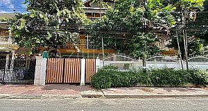 COMMERCIAL HOUSE IN DAUN PENH